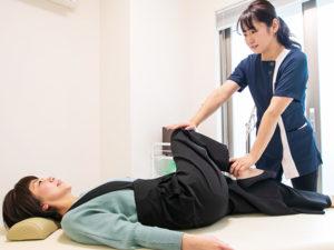 産後骨盤矯正の様子2